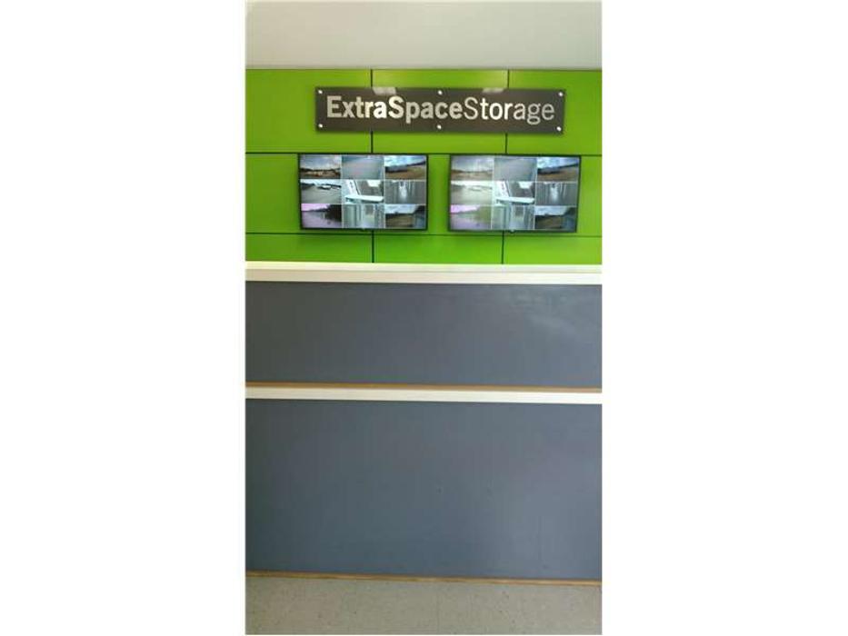 Extra Space Storage - Arlington, TX