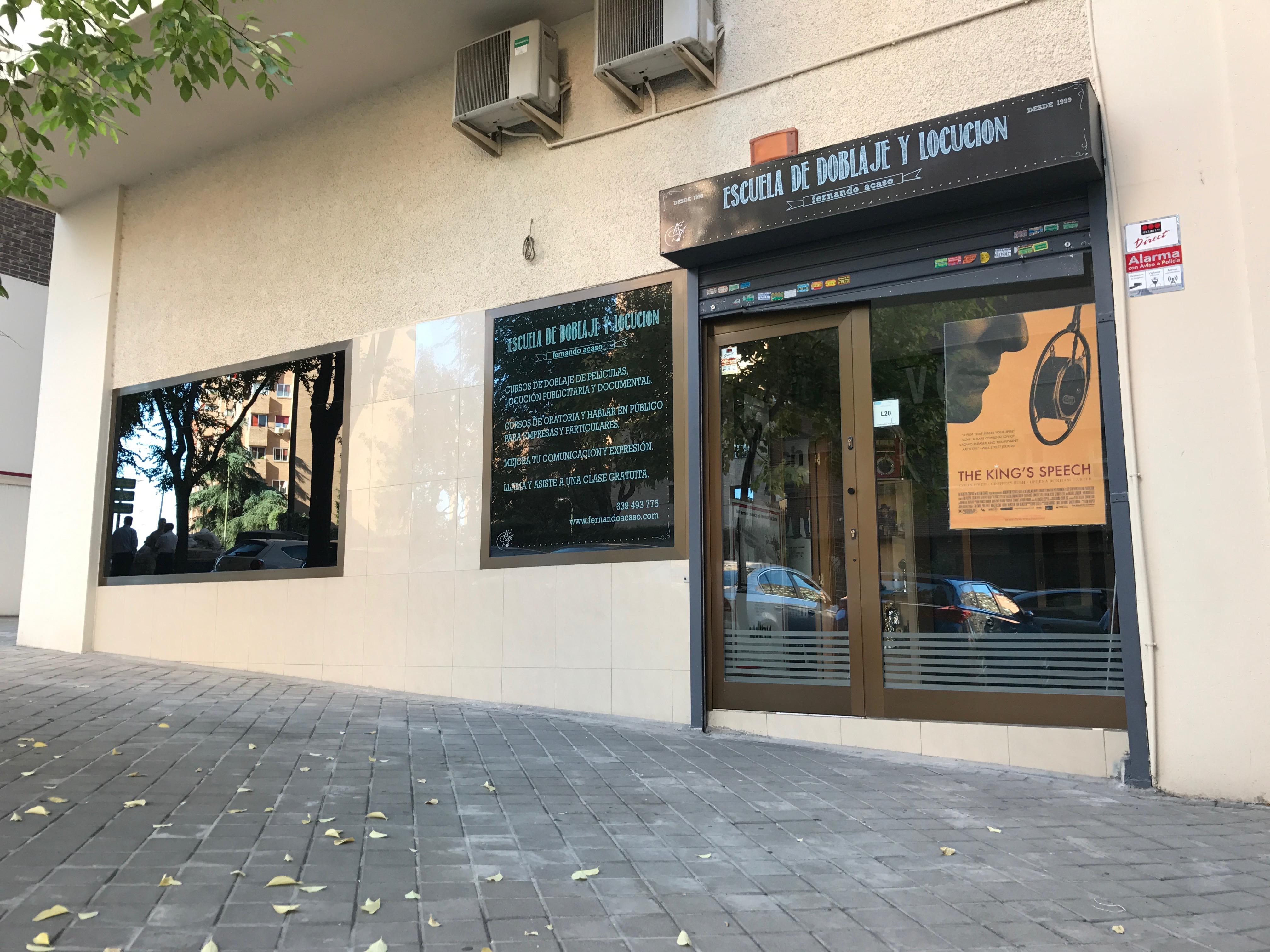 ESCUELA DE DOBLAJE Y ORATORIA FERNANDO ACASO