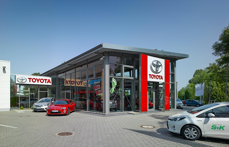 autohaus s k toyota hamburg harburg in hamburg. Black Bedroom Furniture Sets. Home Design Ideas