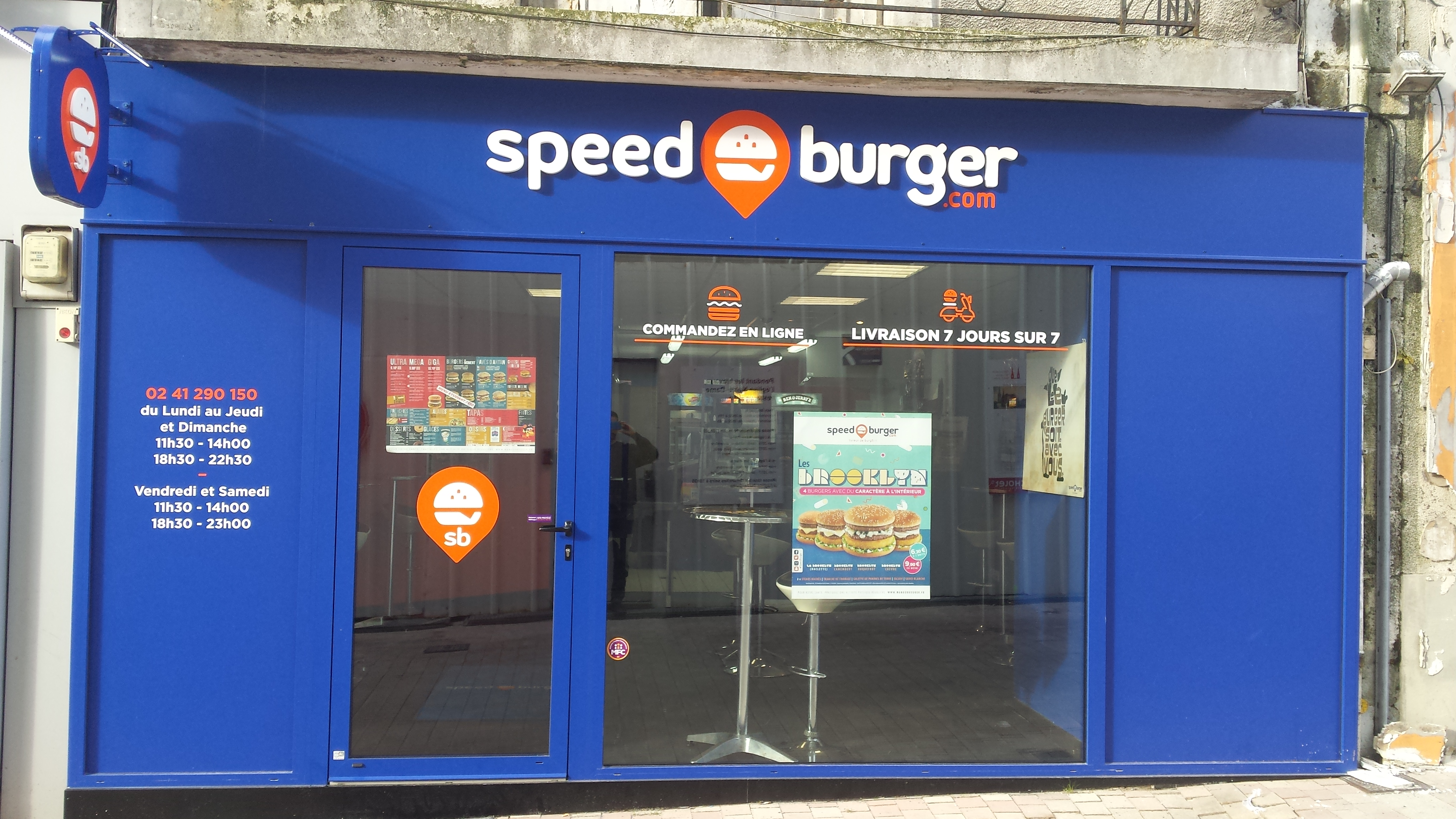Speed burger cholet cholet 49300 rue jean paul ii for Piscine cholet horaires