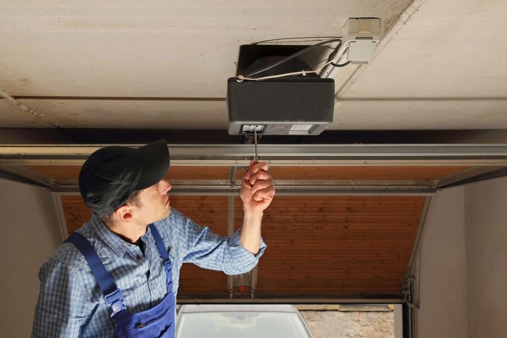 Top Garage Door Services - Sugar Land, TX 77498 - (832)570-1364 | ShowMeLocal.com