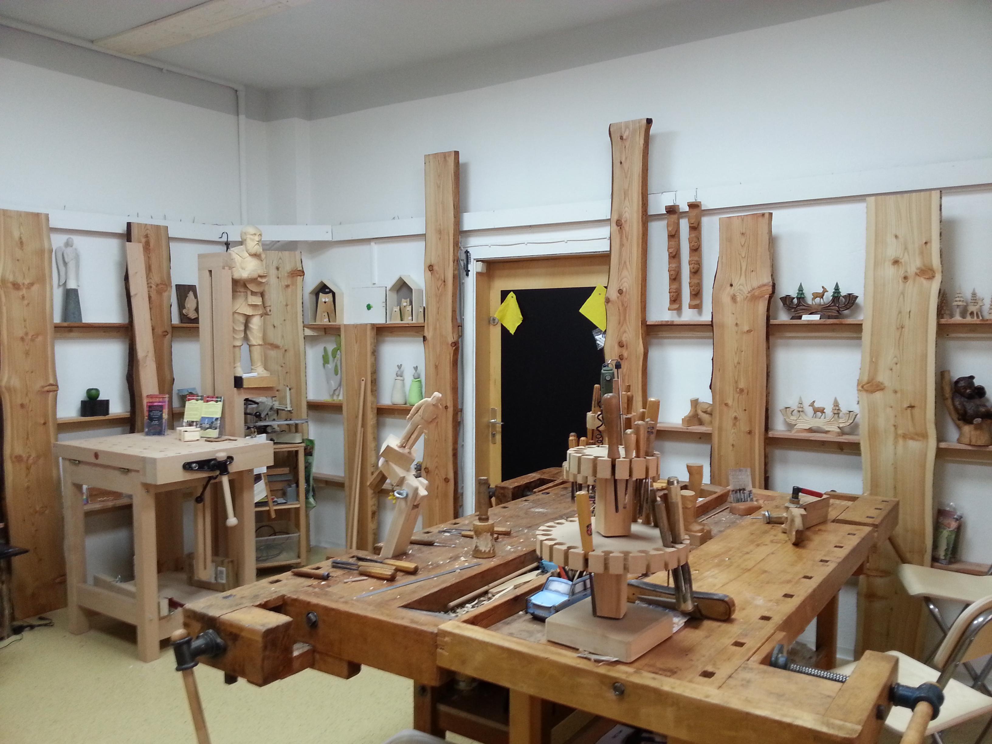 Holz und Kunst erleben - Holzbildhauer Lars Neubert