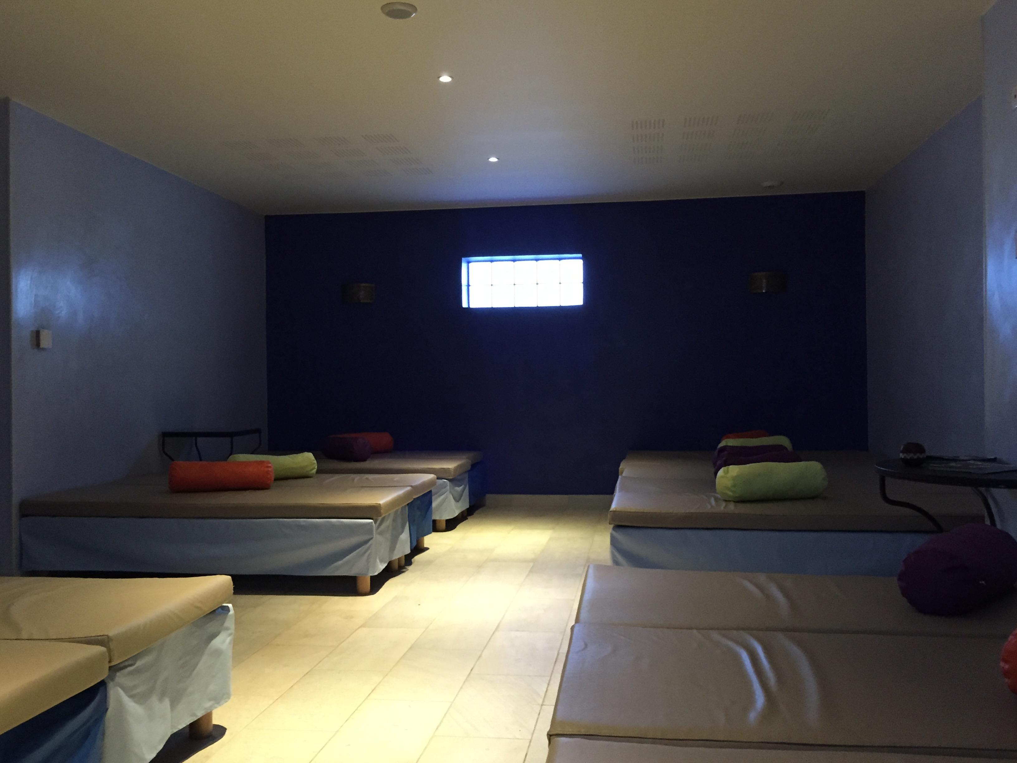 coiffeurs saint denis il y a 178 r sultats pour votre recherche local infobel fr. Black Bedroom Furniture Sets. Home Design Ideas