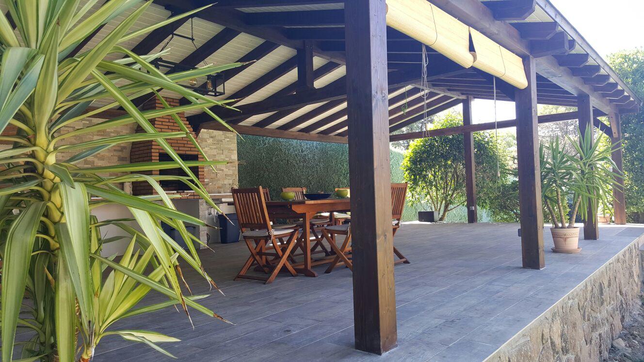 Casa jard n piscina sauna en guadarrama infobel espa a for Piscina guadarrama