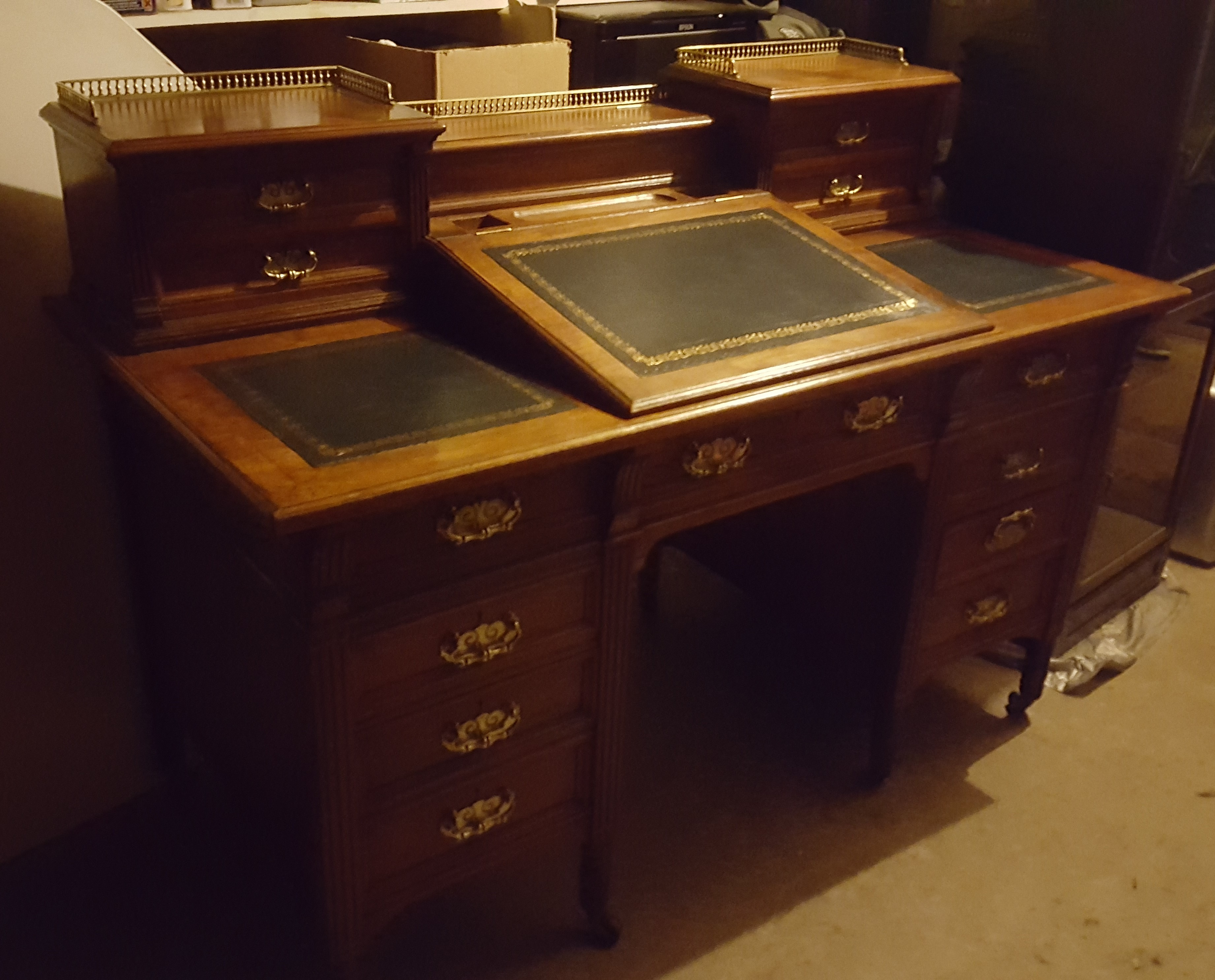 Rumley antiques - Oakenshaw, k5 DL15 0ST - 07730 524168 | ShowMeLocal.com