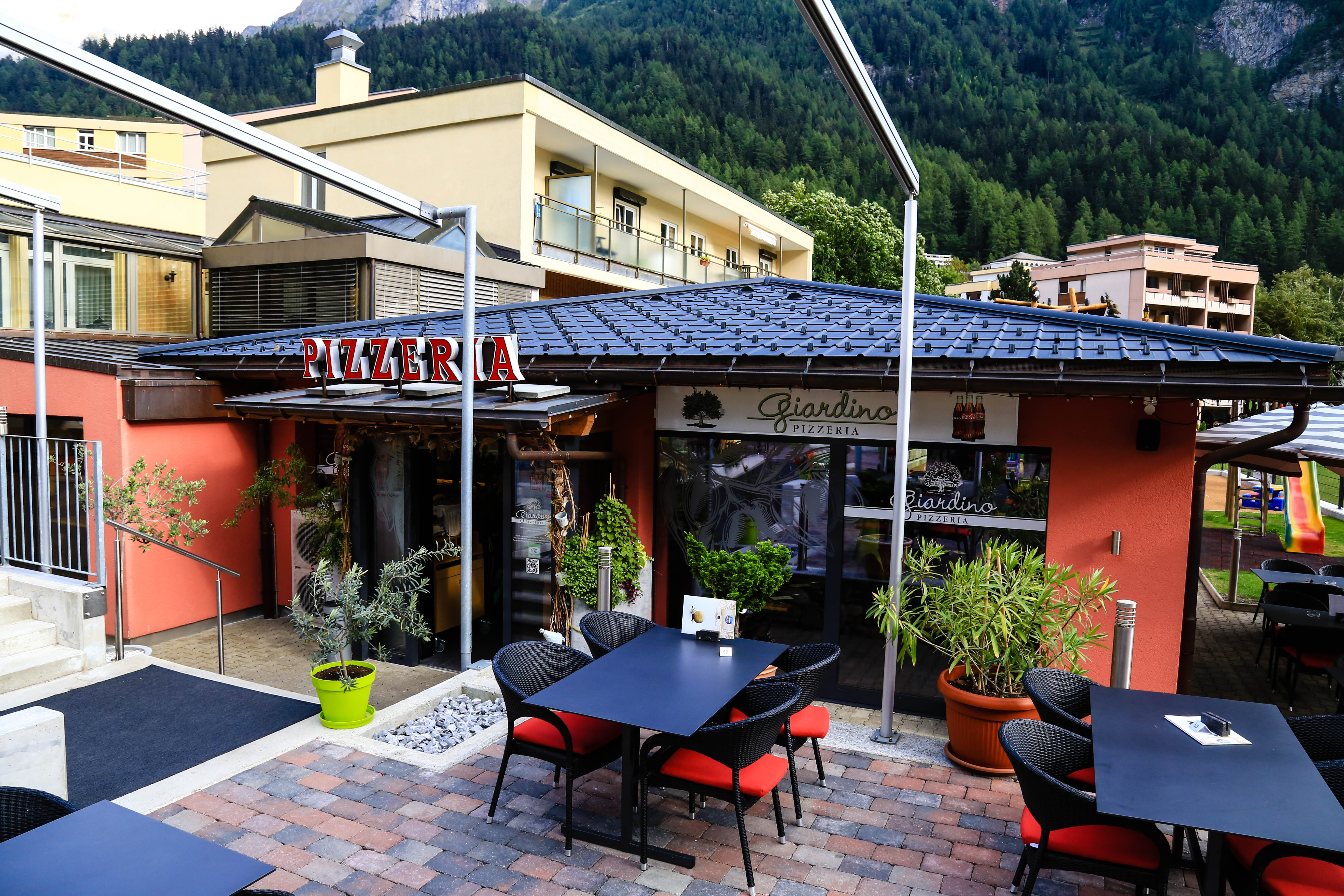 Restaurant in leukerbad infobel schweiz for Giardino 111 pizzeria