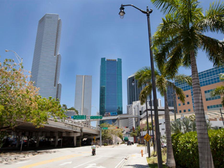 Regus - Florida, Miami - Wells Fargo Plaza - Miami, FL