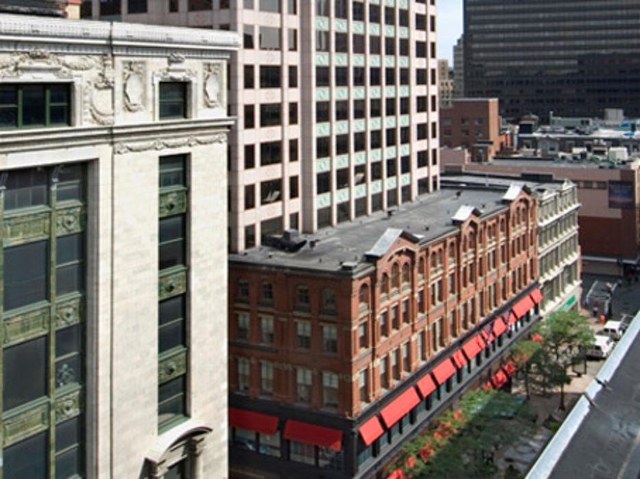 Regus - Massachusetts, Boston - 101 Arch Street - Boston, MA
