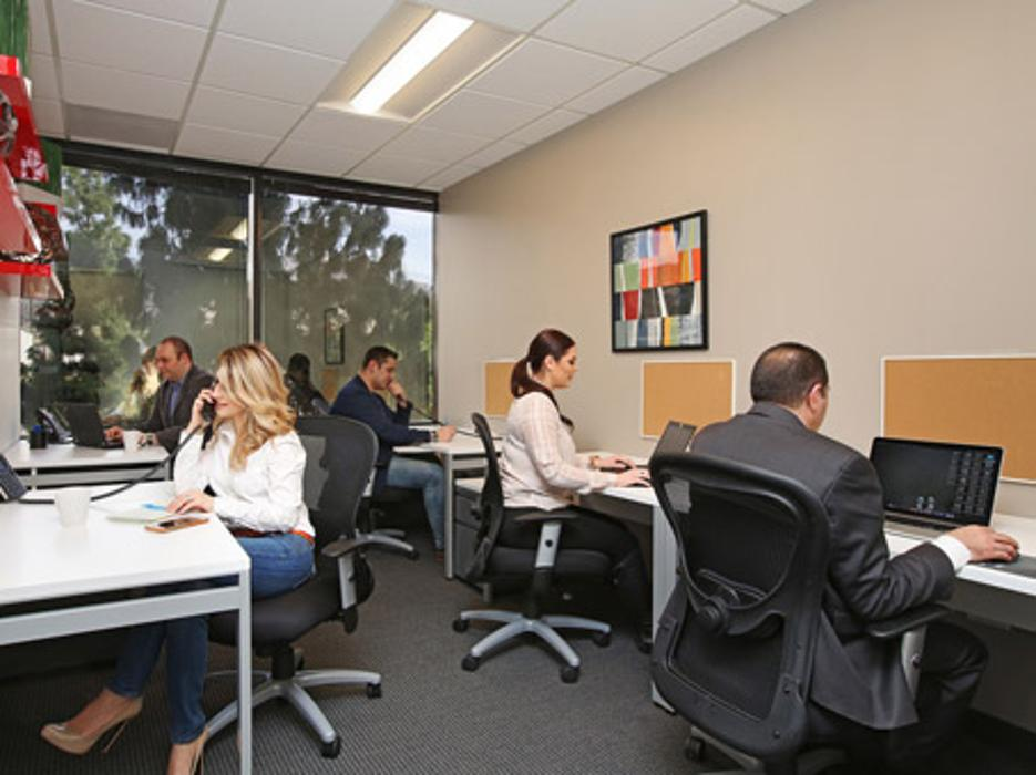 Regus - California, Burbank - Burbank Business District - Burbank, CA