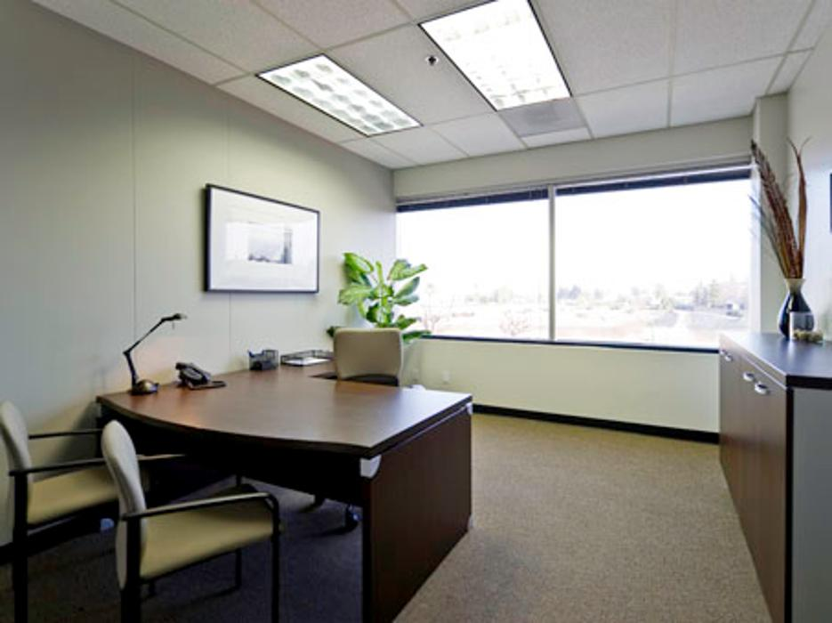 Regus - California, Bakersfield - 4900 California Avenue - Bakersfield, CA