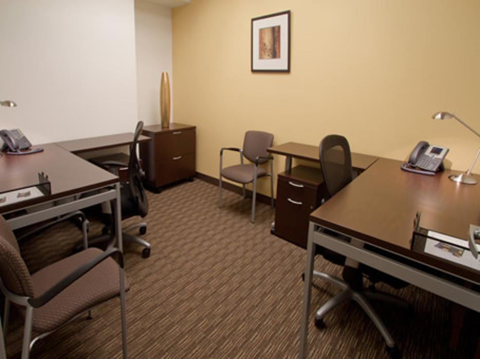Regus - Wisconsin, Appleton - Fox River Mall - College Avenue - Appleton, WI