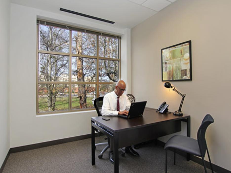 Regus - Georgia, Fayetteville - Main Street Office Center - Fayetteville, GA