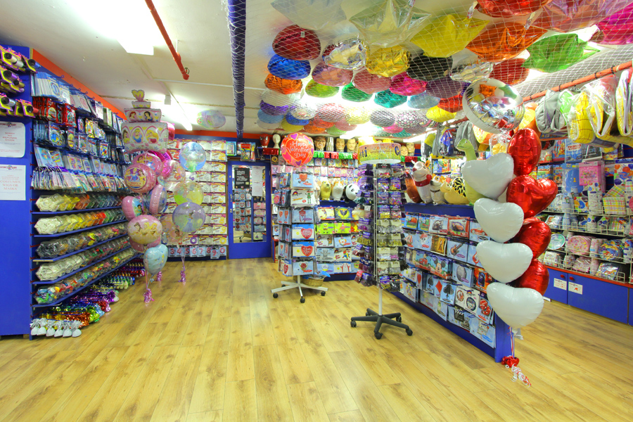 Oscar's Den Party Shop - Balloons, Fancy Dress, Fireworks, Party Supplies