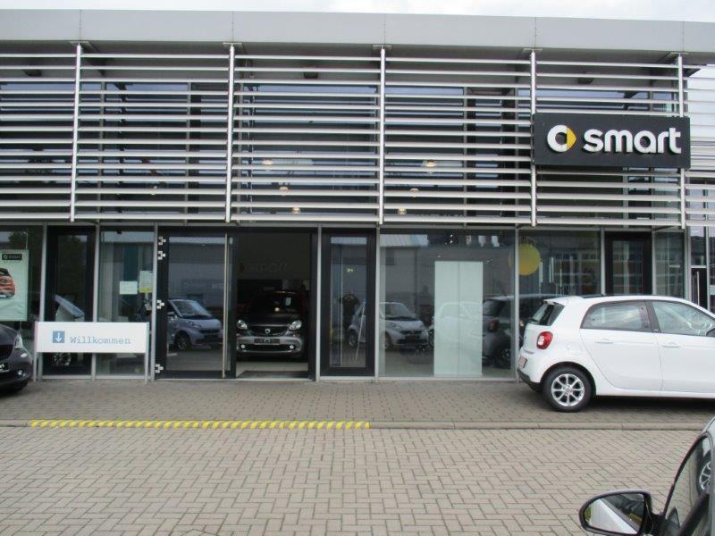 werner automobile gmbh smart center in bremerhaven. Black Bedroom Furniture Sets. Home Design Ideas