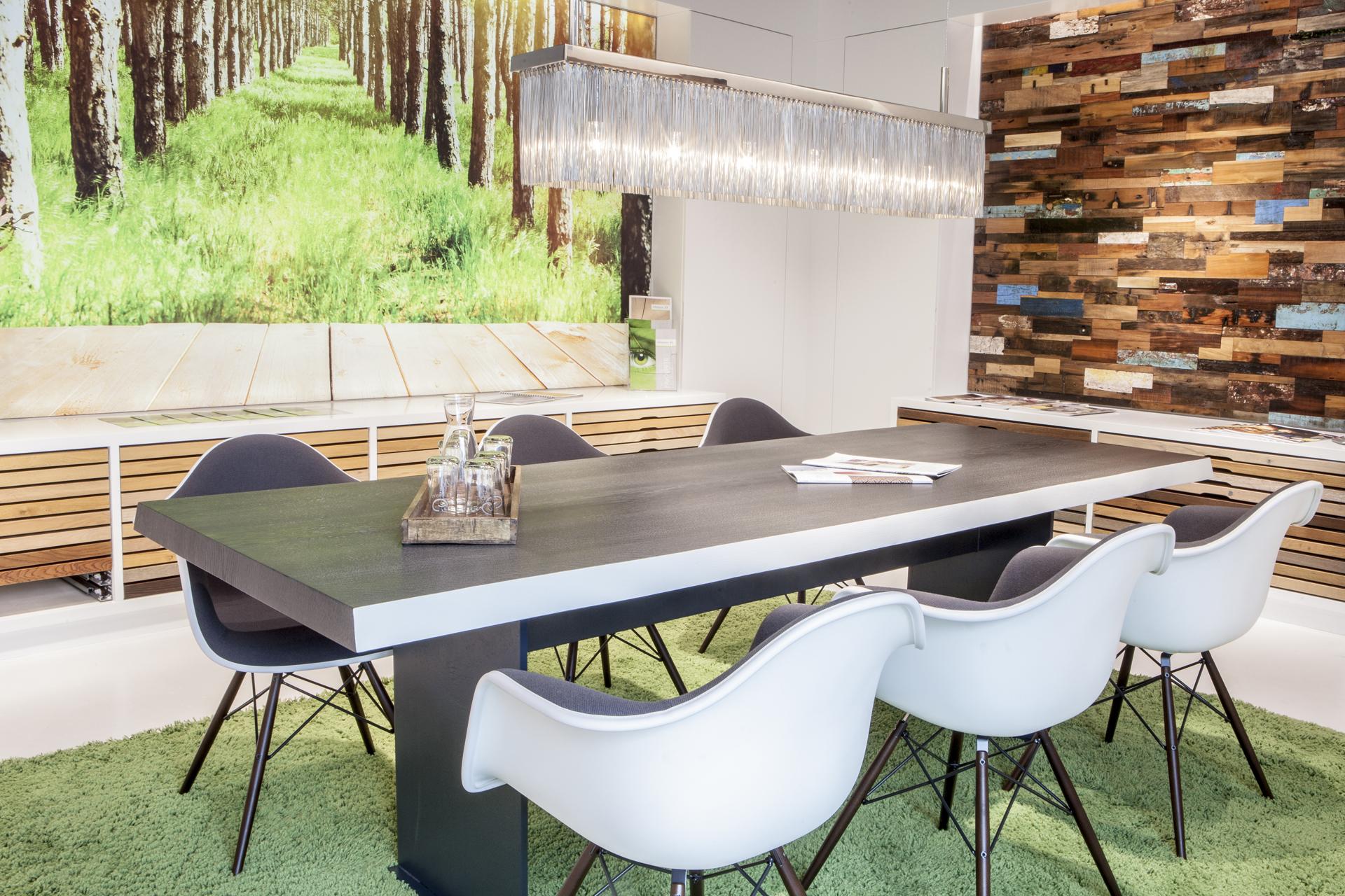 industrielle fertigung und auslieferung verarbeitende industrie gro handel in unterhaching. Black Bedroom Furniture Sets. Home Design Ideas