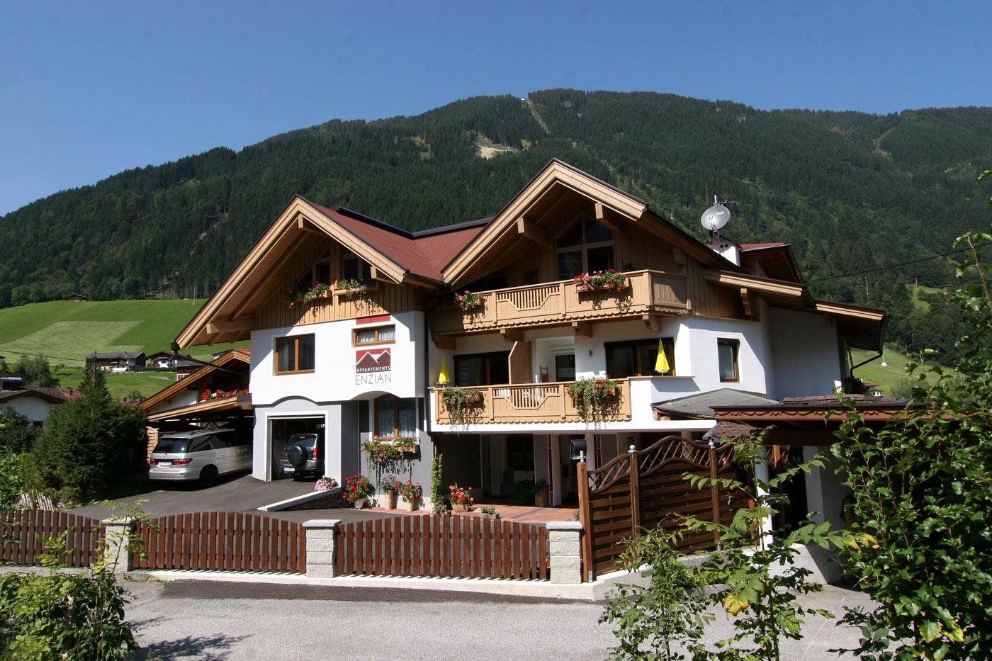 Appartements Enzian - Ferienwohnung Finkenberg