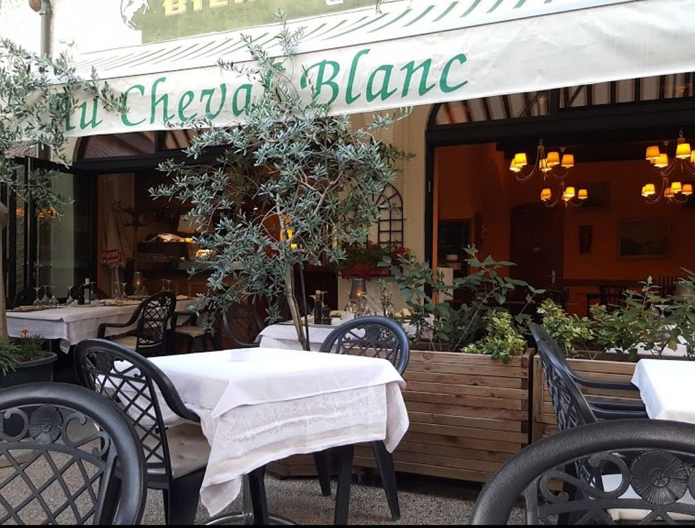 restaurant au cheval blanc puplinge restaurants puplinge schweiz tel 0223494. Black Bedroom Furniture Sets. Home Design Ideas
