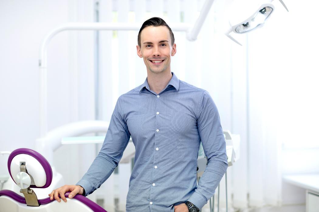 Zahnarztpraxis David Douglas, Rohrdamm in Berlin