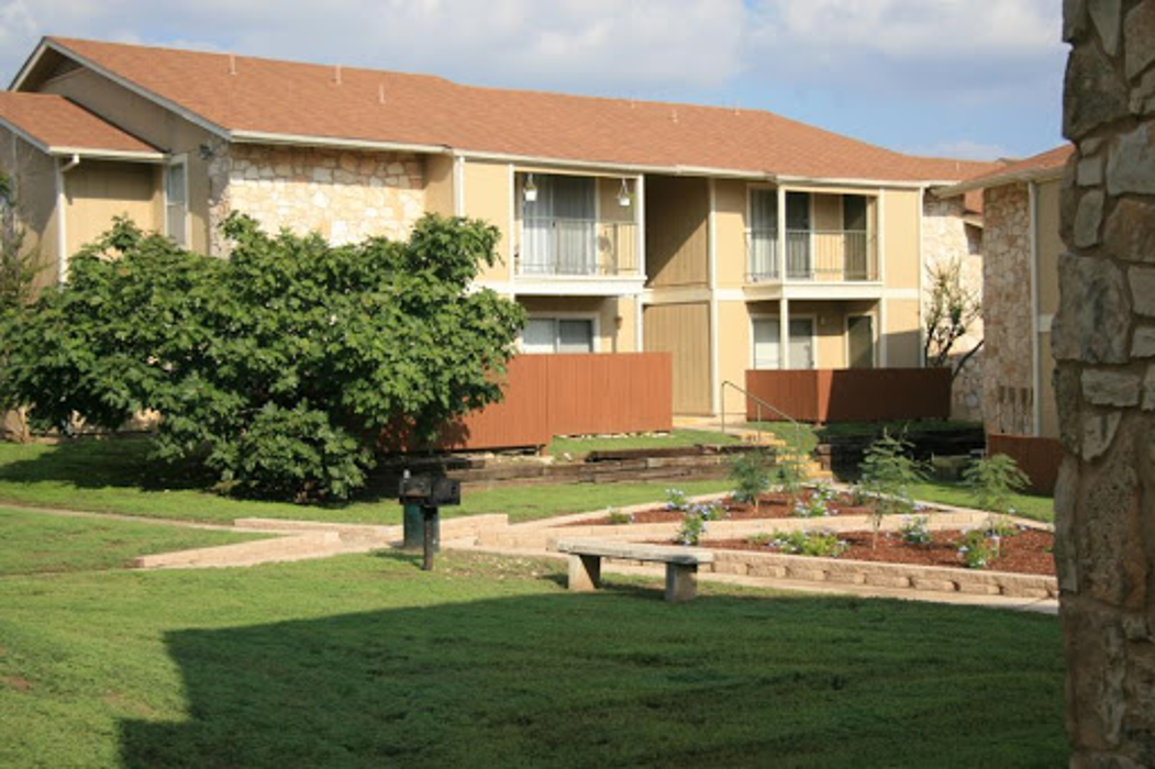 Chase Hill Apartments - San Antonio, TX