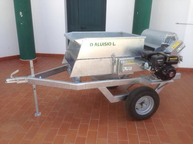 D'Aluisio Lorenzo costruzione e vendita macchine ed attrezzature agricole