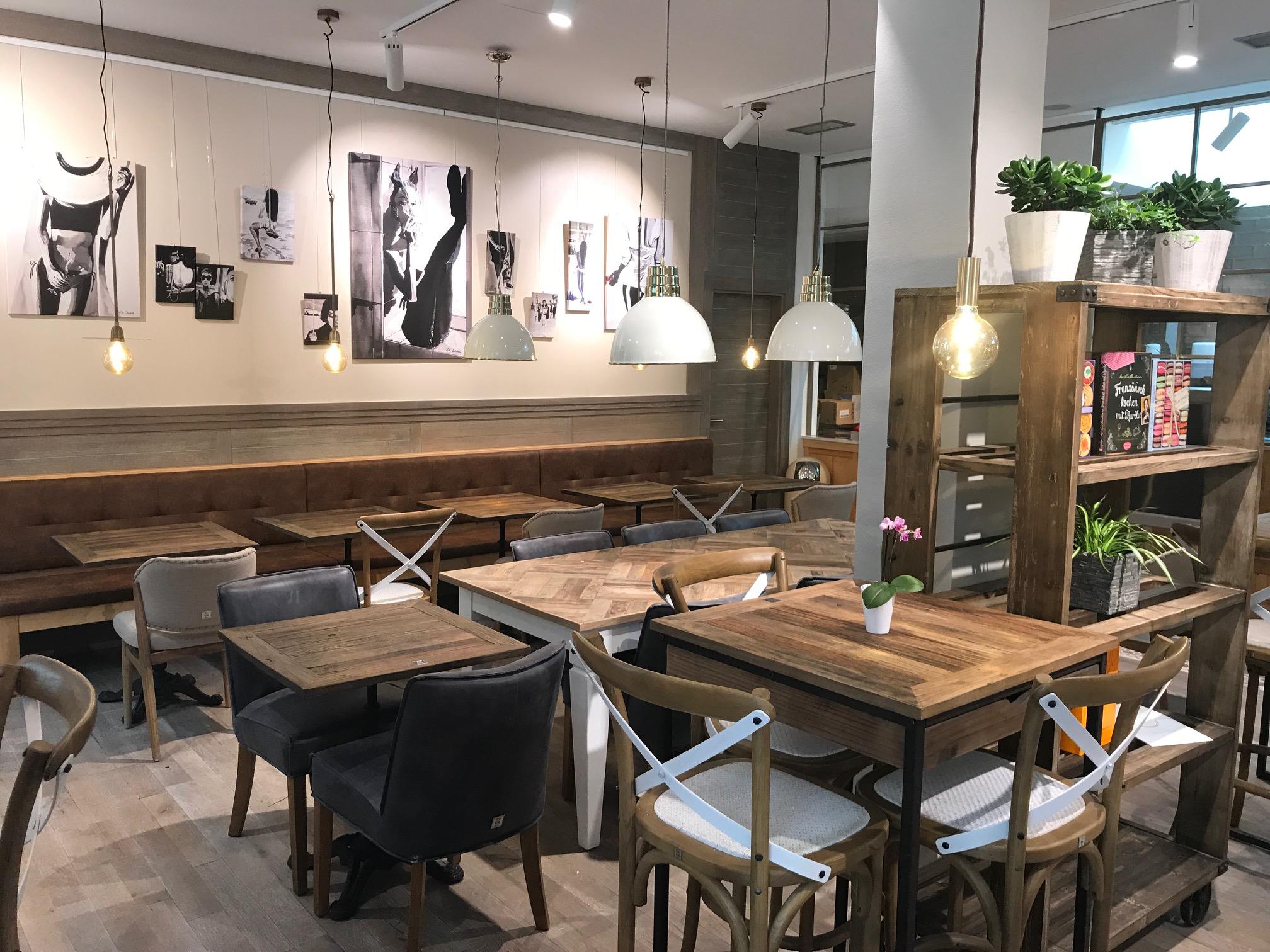 cafe bar club in munchen infobel deutschland. Black Bedroom Furniture Sets. Home Design Ideas