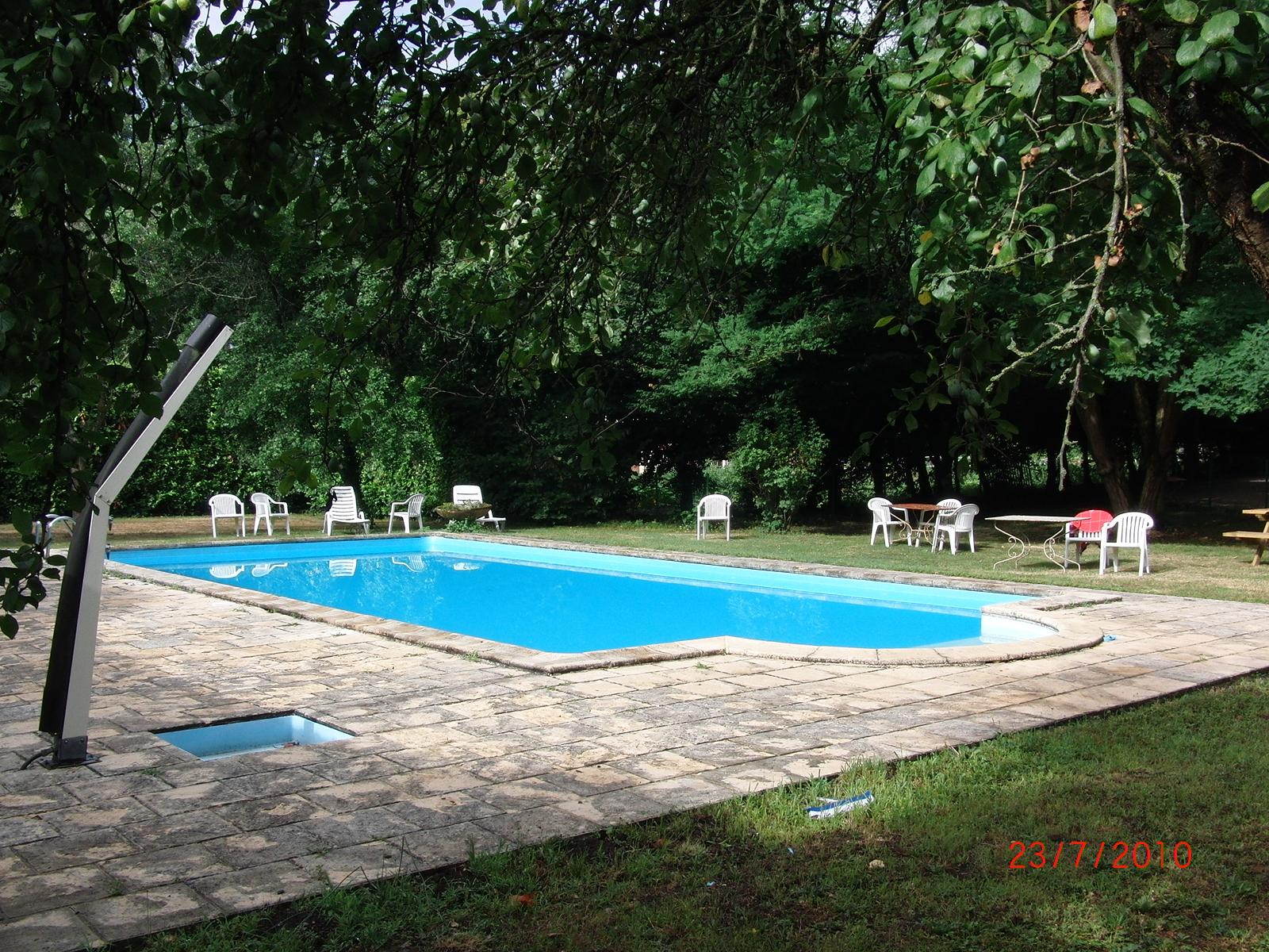 H tel du parc cransac 12110 rue du g n ral louis artous for Cash piscine orleix horaires