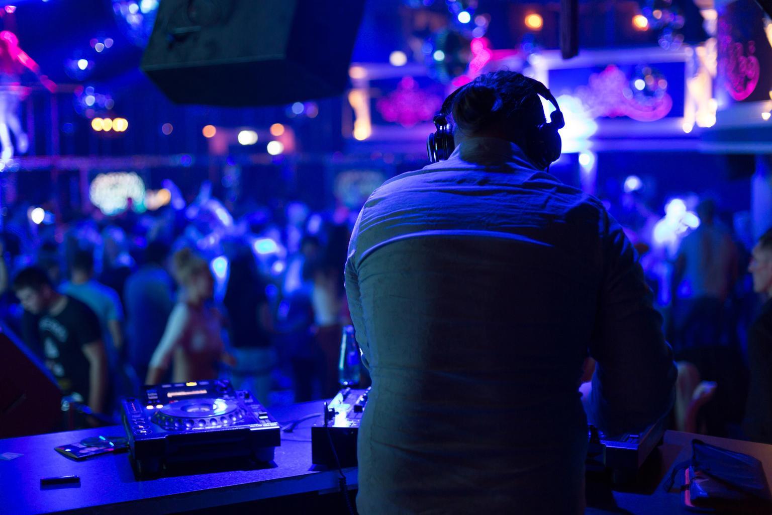 Deejay4you - DJ Service für Hochzeit, Geburtstag und Firmenfeier in Hessen
