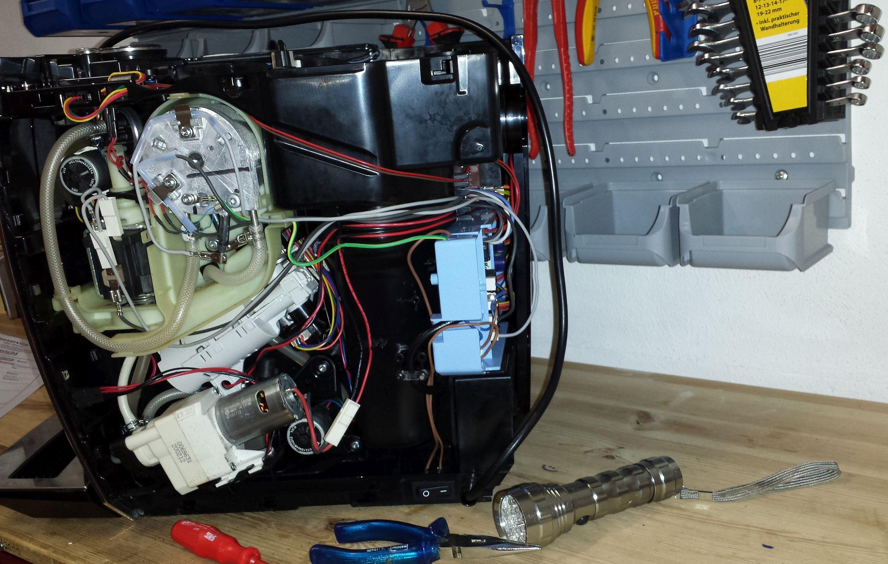 ms kaffeeservice reparatur und kundendienst von kaffeevollautomaten. Black Bedroom Furniture Sets. Home Design Ideas