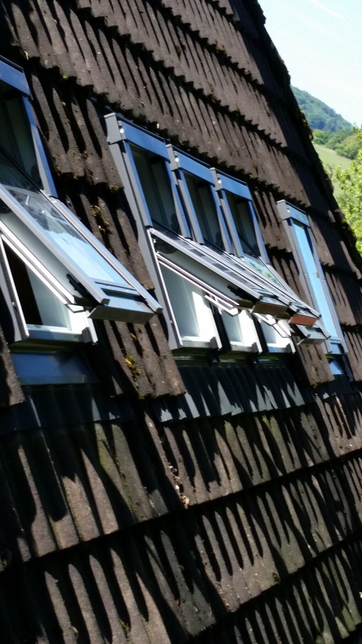 concept rund ums dachfenster reinigungen von solar. Black Bedroom Furniture Sets. Home Design Ideas