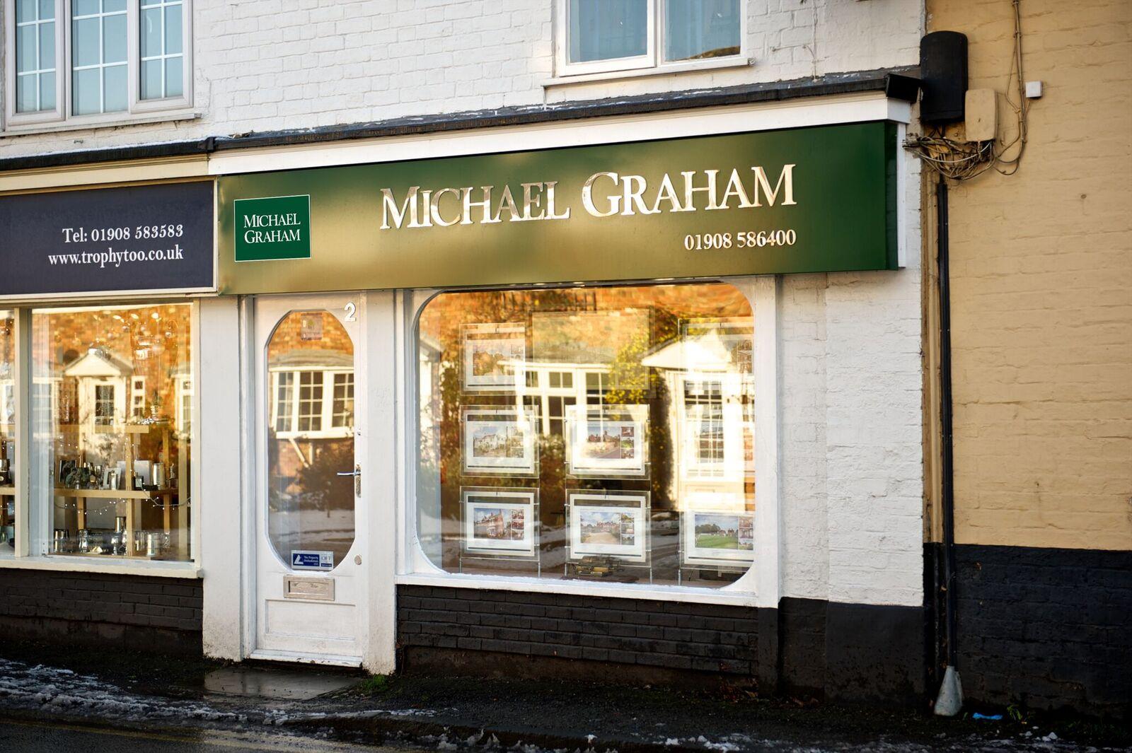 Michael Graham Woburn Sands - Milton Keynes, Bedfordshire MK17 8NJ - 01908 586400 | ShowMeLocal.com