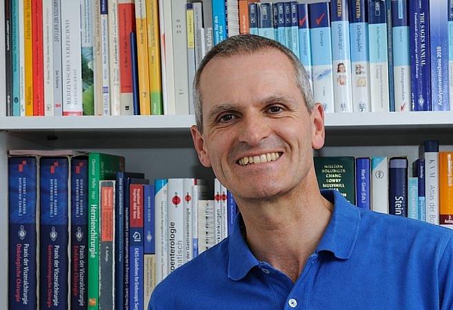 Dr. med. René Stouthandel