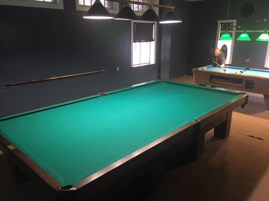 Crankys - Burgers, Birds, & Billiards - Terre Haute, IN