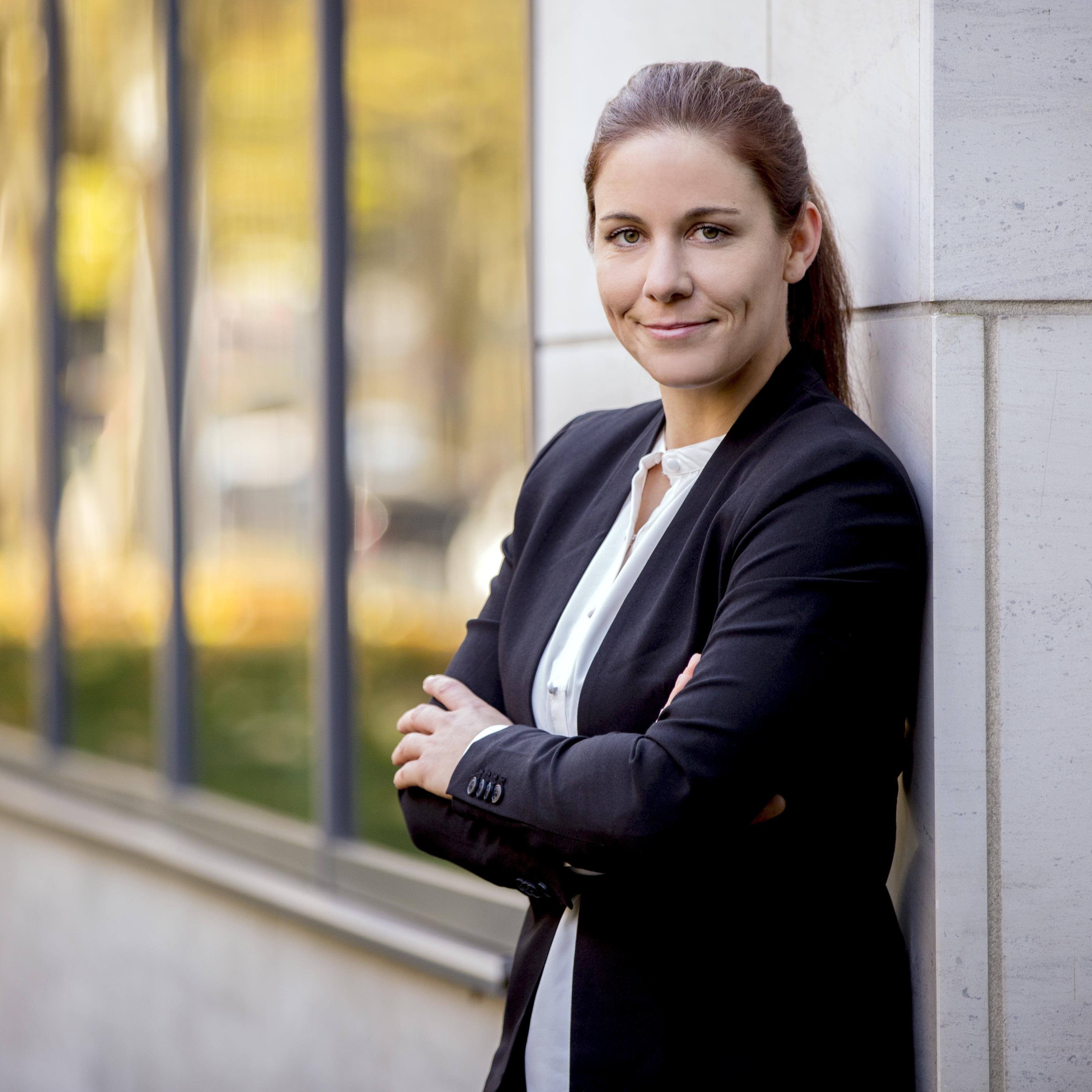 Rechtsanwältin Nina Schäfer