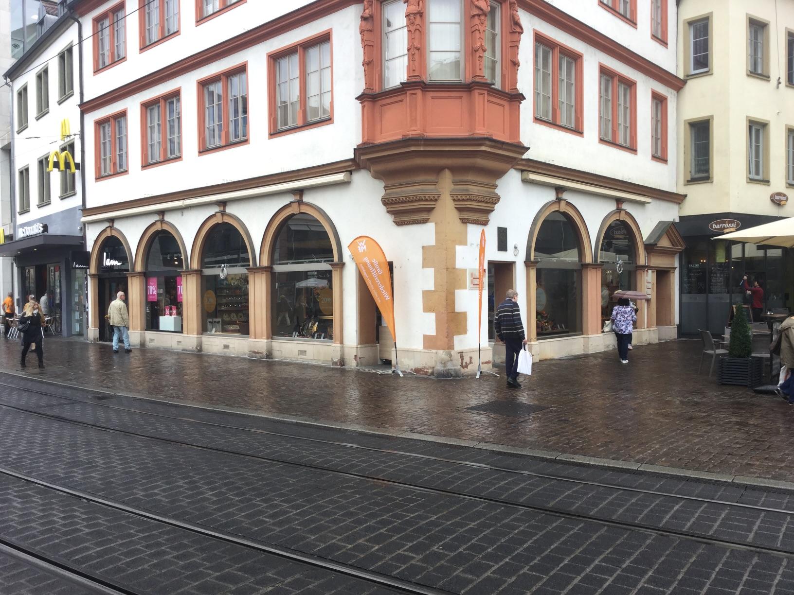 Wmf wurzburg marktplatz verkauf einbau von kuchen for Küchen würzburg