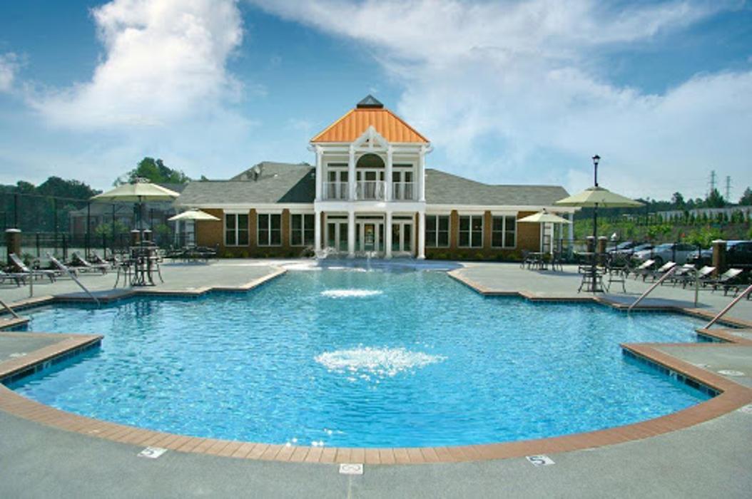 White Oak Luxury Apartments - Chester, VA