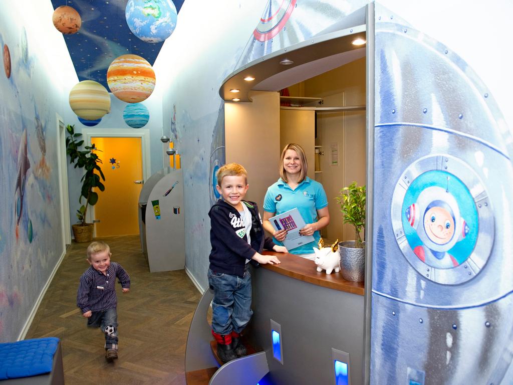 Kinderzahnarzt / Zahnplanet / die Zahnarztpraxis für Kinder