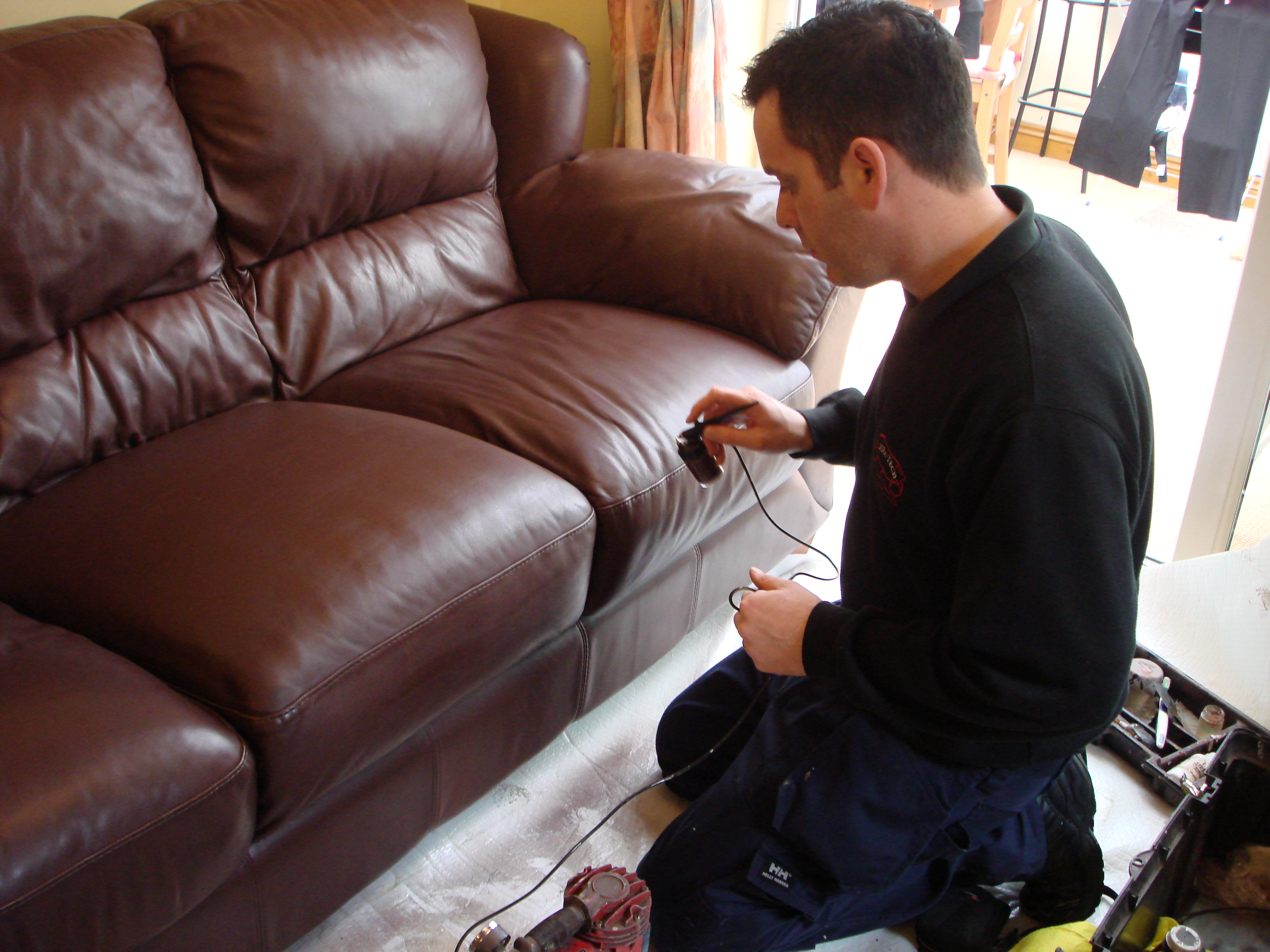 Sofa Tech - Leicester, Leicestershire LE9 6NW - 01455 286658   ShowMeLocal.com