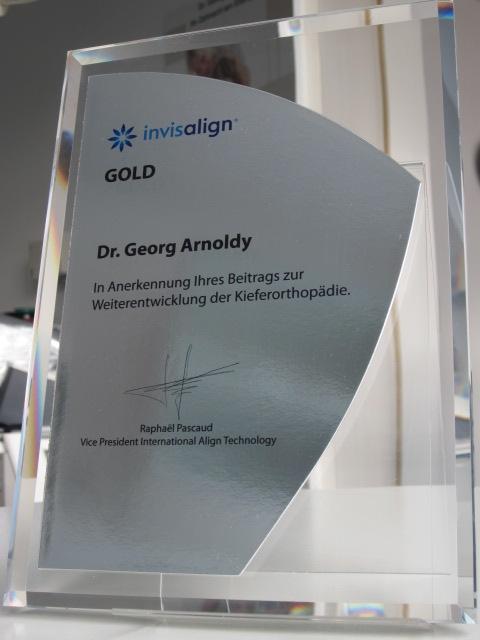 Zahnarzt Köln Ebertplatz - Dr. Georg Josef Arnoldy Spezialist für Invisalign und Implantate