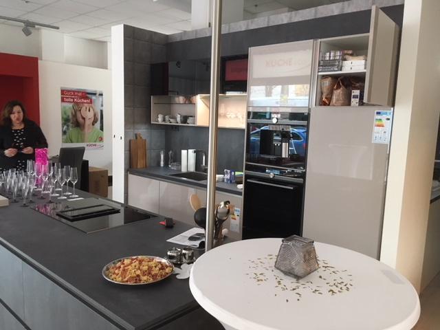 Kuchen in berlin einbaukuechen for Günstige küchen in berlin