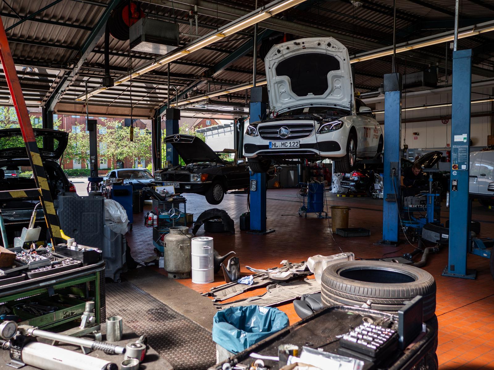 Mercedes-Benz Süverkrüp Automobile - Bad Oldesloe