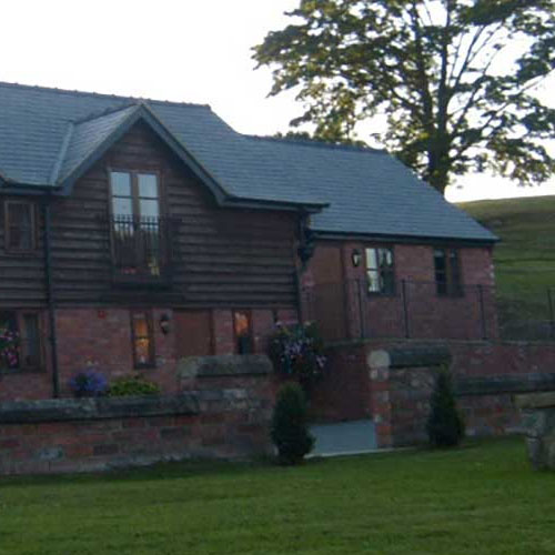Tynllwyn Farm Accommodation - Welshpool, Powys SY21 9BW - 01938 553175 | ShowMeLocal.com