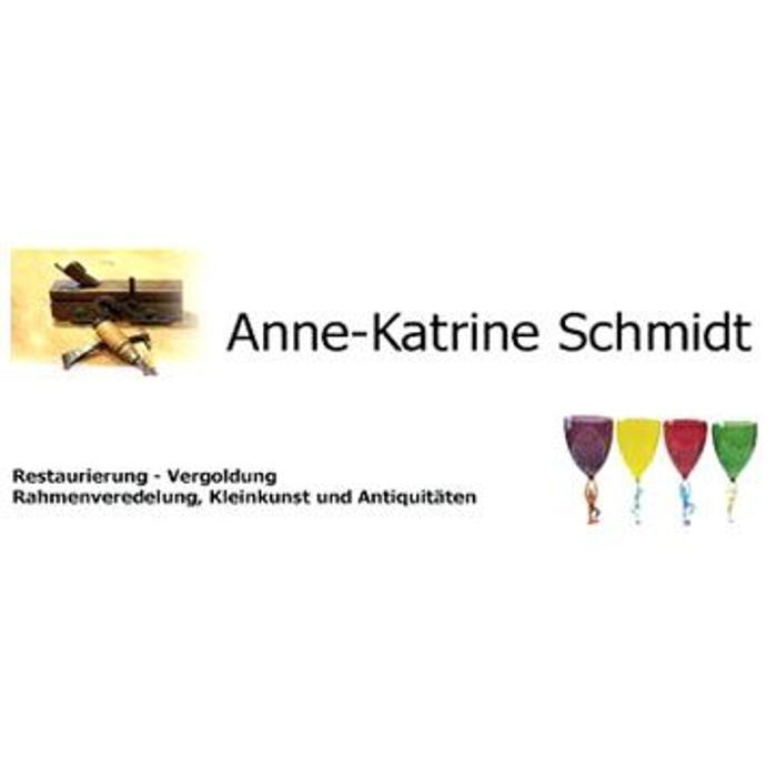 Anne-Katrine Schmidt, Restauratorin für antike Möbel und Rahmen