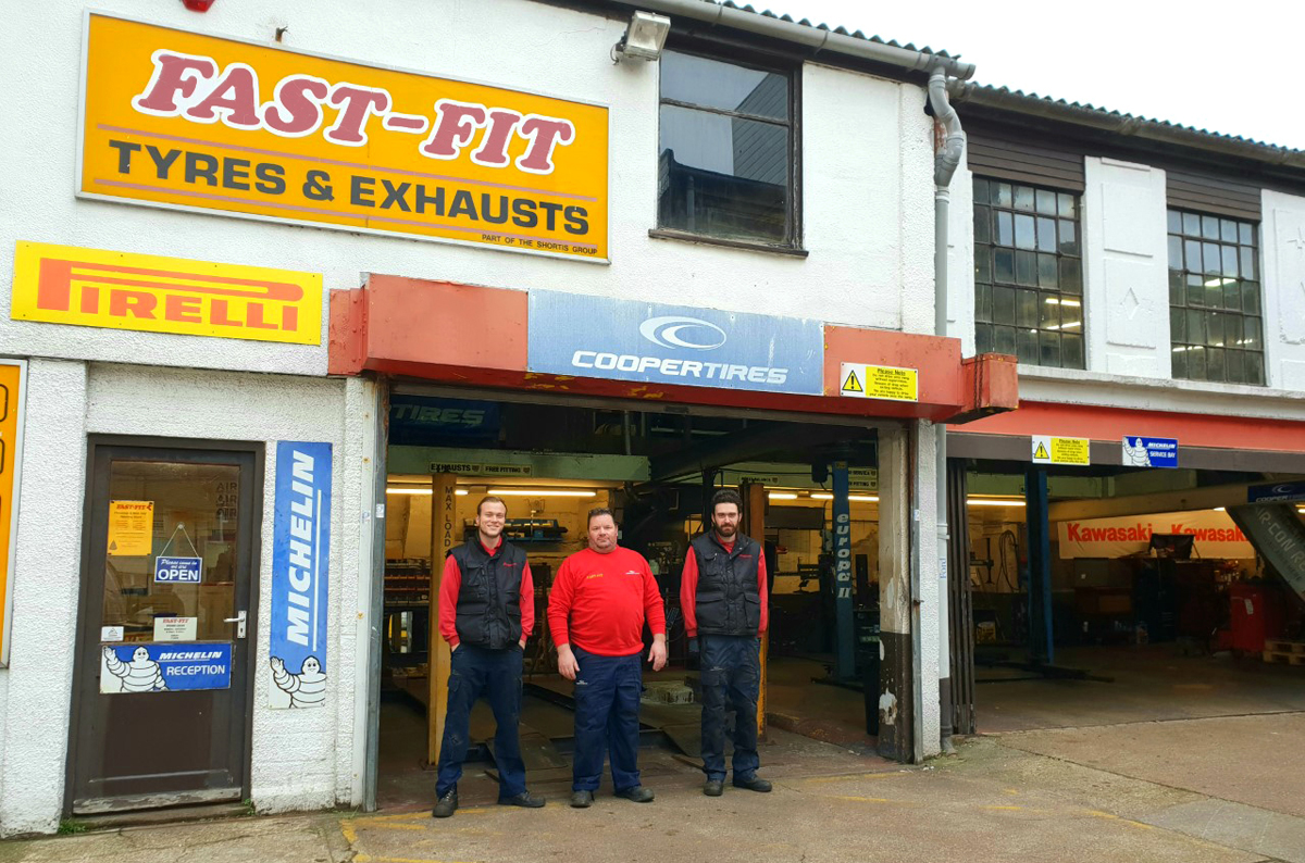 Fast-Fit Tyres & Exhausts Felixstowe 01394 278886