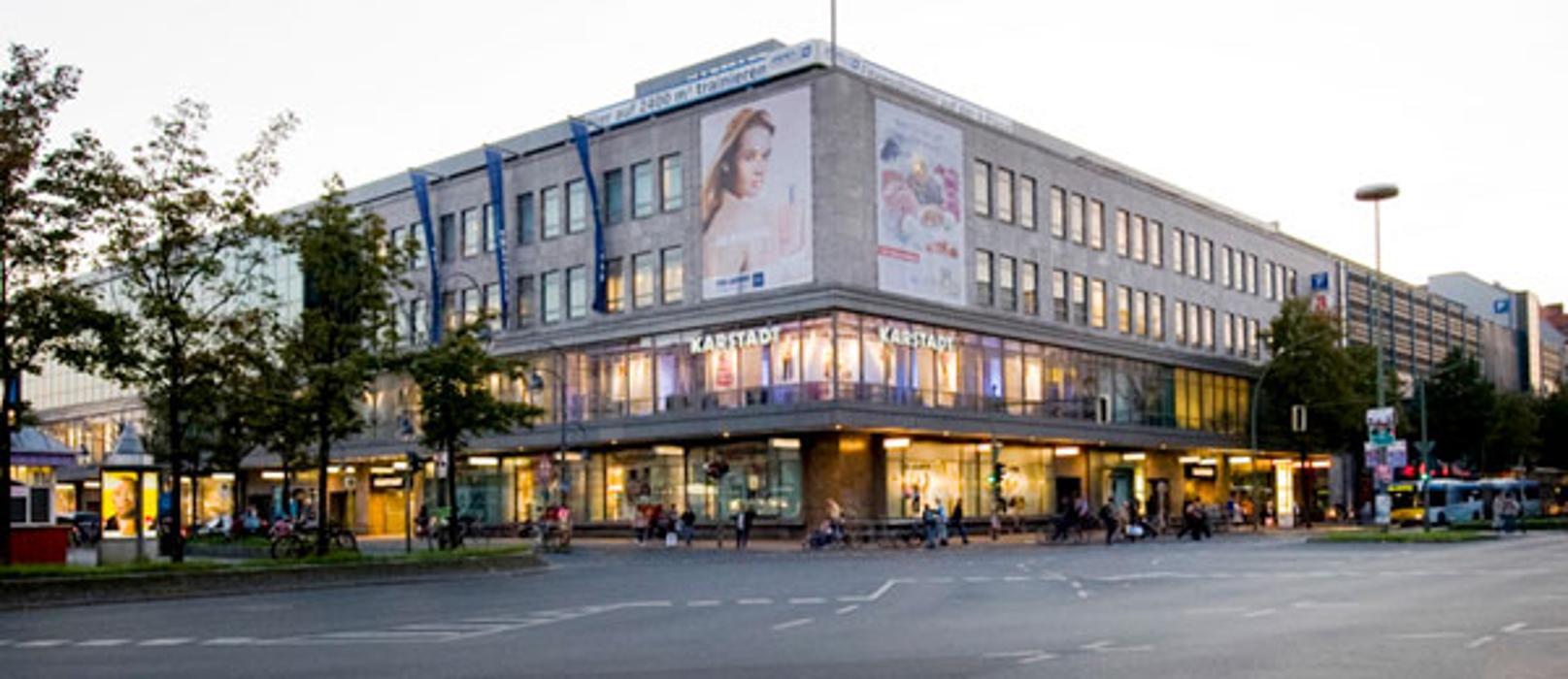 Karstadt Berlin Hermannplatz Kreuzberg, Hermannplatz in Berlin