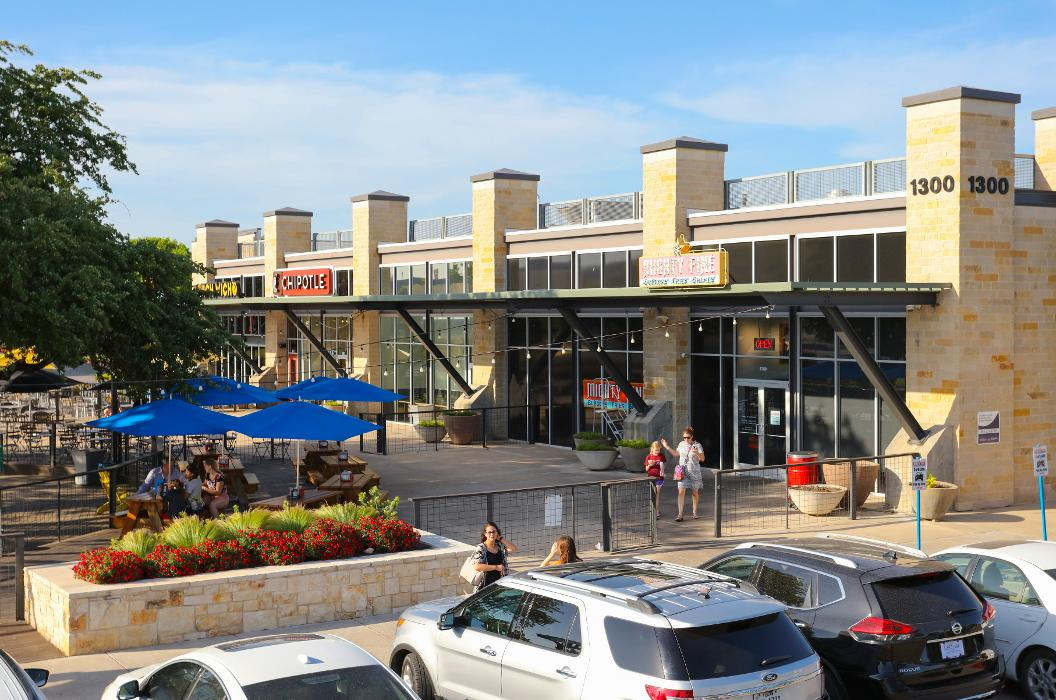 University Oaks Shopping Center - Round Rock, TX