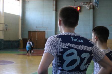 Илья Силенков на турнире ЧВО в зале 2018