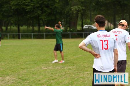 Александр Калугин на турнире Windmill Windup 2015