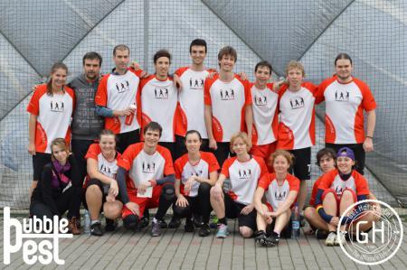 Команда Outsiterz натурнире BubblePest 2014 (Микс дивизион, 8/8)