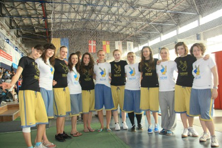 Команда Дикі Кралі Bellezza Selvaggia натурнире ЗЧУ 2012 (ЖД, 2/5)