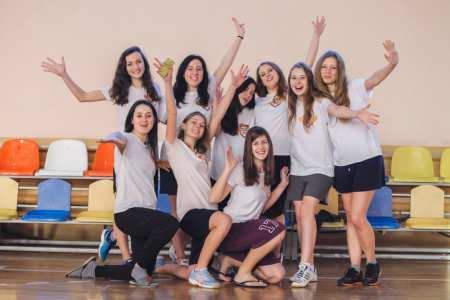 Команда Madcaps Women натурнире Yo-Yolka 2017 (ЖД, 6/7)